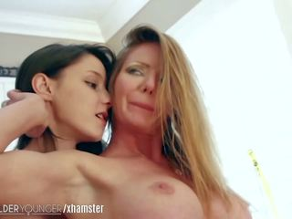 Lesbianolderyounger Dominant MILF Eats out Teen: HD Porn e9