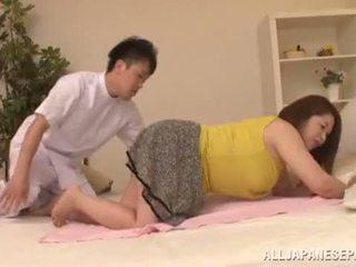 豐滿的 亞洲人 babe's 大 奶 natsuko kayama