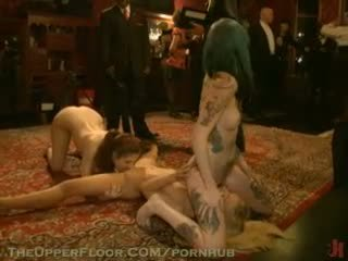 Nicki blues 第一 的阴户 penetration