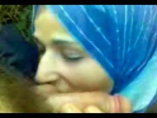 Hijab Fellation Video