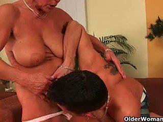 Mamma fortsatt needs din spunk filled boner