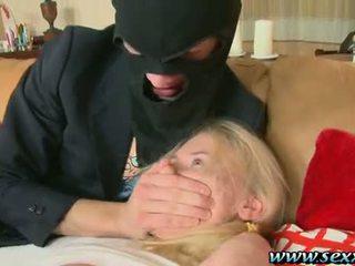 Один дівчина і two збочений thieves