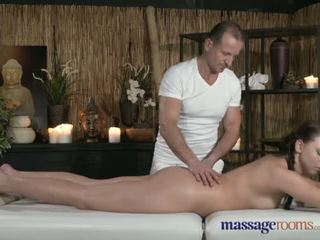 Massage Rooms Young Teen with perfect bum has intense orgasm with older guy - Porn Video 491