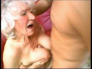 Babička loves kohout