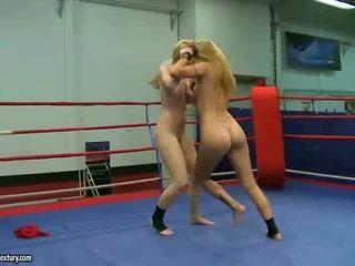 Sophie moone und cindy hoffen fighting