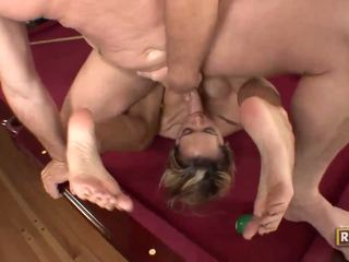 Halia hill getting banged em o billiard tabela