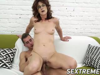 Mature Lady Rides Hard Dick Like a Pro in Various Sex