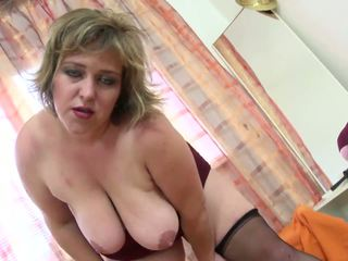 xhamster secretaire mature blonde