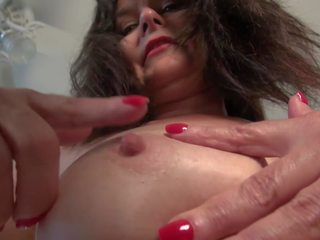 Old but Still Hot Mother Fucks Her Pussy, Porn cc
