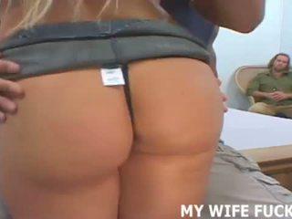 Ваш дружина зірки в її перший професійний порно <span class=duration>- 12 min</span>