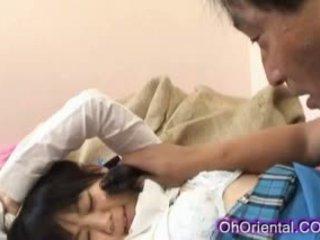 Stramt tineri asiatic scolarita