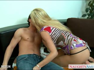 Chesty blondynka tasha reign gets facialized