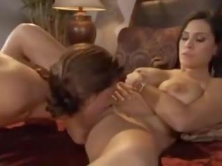 Içinde yatak ile anne: ücretsiz nemfomanyak porn video bf