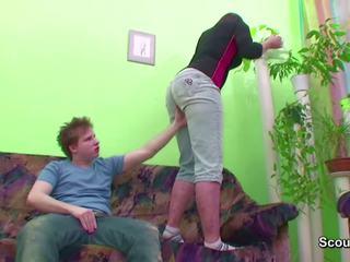Tineri baiat seduce friends mama pentru obține în primul rând la dracu: hd porno b1