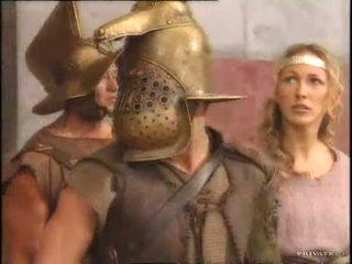 Rita faltoyano với một gladiator pt2