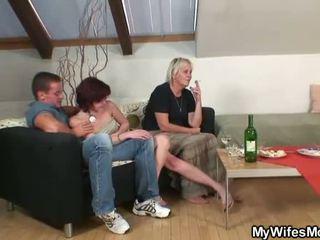 成熟した, ママと少年, 古いレディース, セックスハングリーママ