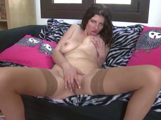 Real Mother with Saggy Tits and Thirsty Pussy: Free Porn 67