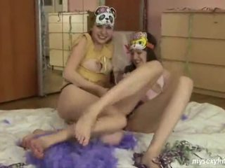 Jessica And Loe Lovely Teen Lesbians
