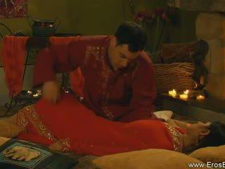 Kamasutra kanssa intialainen pari