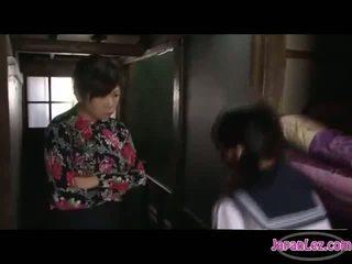 日本, 接吻, 女同性戀