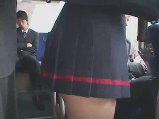 Jepang meraba bis ejakulasi rame-rame