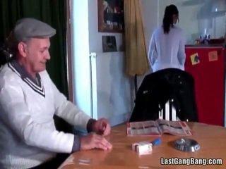 Äldre franska sult tries tonårs fittor