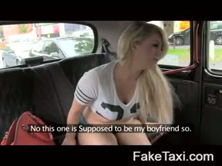 Fake taxi カム 人々 having drx om fake taxi