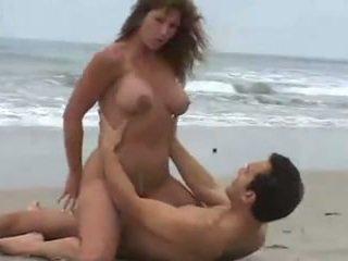 velike joške, plaža, rjavolaske