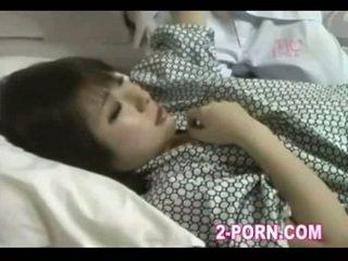 Kız oğlanı sikiyor düz seks menstruasyon 005