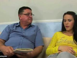 Καυτά εφηβική ηλικία γαμήσι σκληρά μεγάλος cooks xvideos
