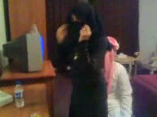 Koweit arab hijab प्रॉस्टिट्यूट एस्कॉर्ट arab middle ea