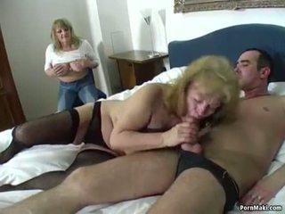 Lucky guy fucks two agyz açdyrýan grannies