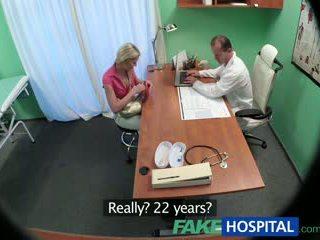 Fakehospital αδύνατος/η μωρό wants σεξ με γιατρός