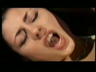 Sofia gucci हॉट इटालियन बेब वीडियो
