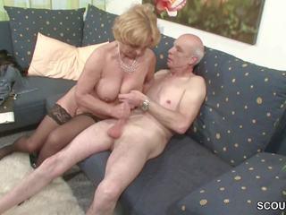Oma und opa ficken das erste mal im porno fuer morir rente
