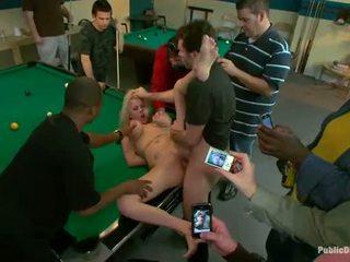 Ragazze presentare a sesso schiavo