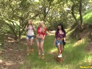 Georgia jones and her 2 ayu girlfriends fuck