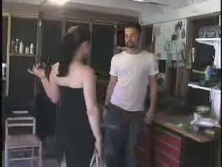 The mechanic gave a baý arrogant jelep what she deserves