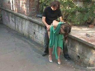 長 legged 歐洲的 gets 處罰