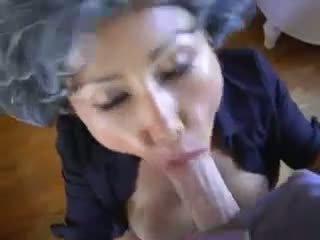 Зріла азіатська молодий pervert