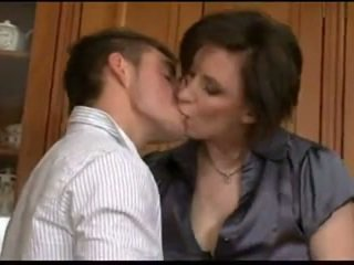 Ewropaly eje fucked by her son's friend
