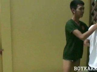 Thai twink kurang ajar telungsawetara