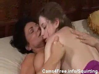 muncrat, lesbian, ibu-ibu dan remaja