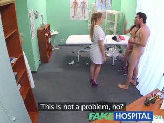 Fakehospital গরম সেবিকা joins দম্পতি মধ্যে তিনজনের চুদা
