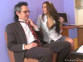Seksi kızlar ve yvk tablo seks