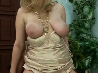 Vackra saggy blondin momen jag skulle vilja knulla