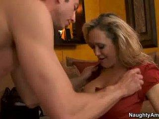 Madura brandi amor thumps an incrível weenie tudo rigid em dela sumarenta quente boca