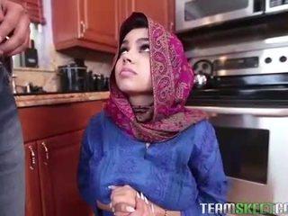 Arab في سن المراهقة ada gets ل warm كس cream