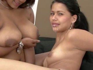 Leszbikus breastfeeding gyűjtemény, ingyenes porn 64