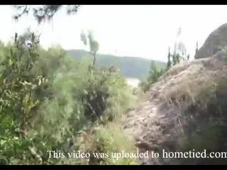 Νέος ερασιτεχνικό άγριο γαμώ ενώ mountain hiking